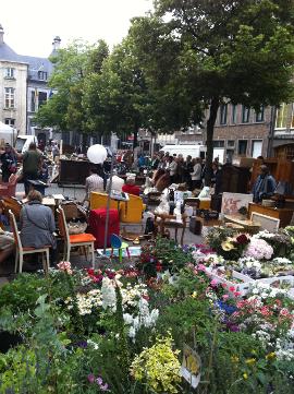 Antwerpen_Vrijdagmarkt_1.jpg
