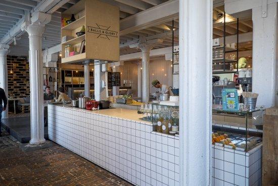 Antwerpen_balls-glory-restaurant
