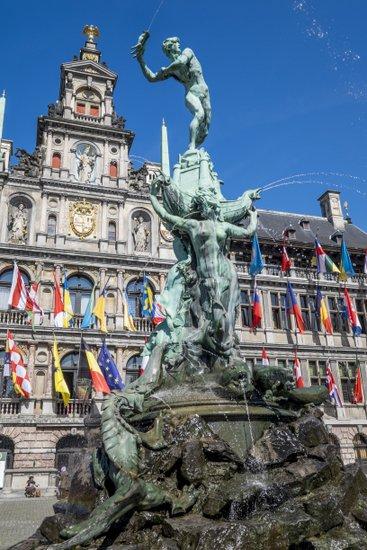 Antwerpen_grote-markt-brabofontein