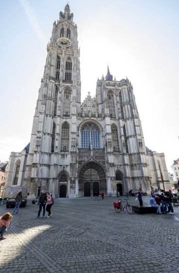 Antwerpen_kathedraal-handschoenmarkt