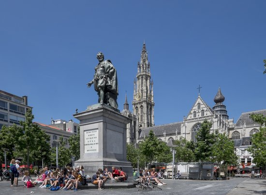 Antwerpen_rubens-groenplaats-kathedraal