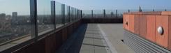 Mooi uitzicht vanaf het dakterras van MAS